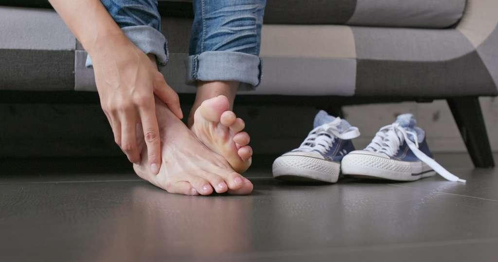 Os machucar ao caminhar não como pés